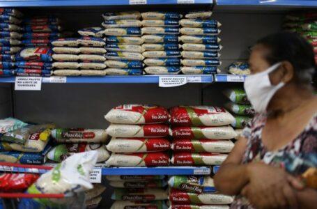 Consumidores cariocas esperam impacto da redução dos impostos nos preços