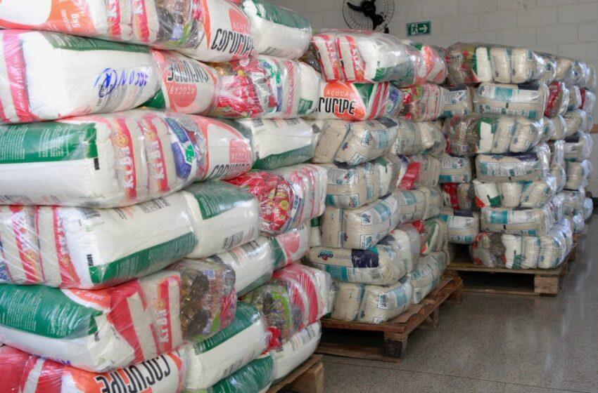 Sindarroz-MG doa 200 cestas básicas à Prefeitura de Uberlândia