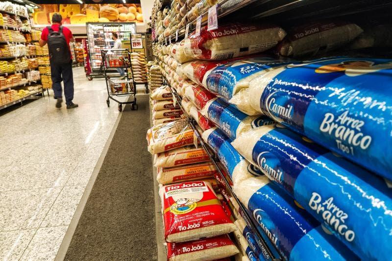 Arroz e óleo mais barato não aliviam o bolso do consumidor