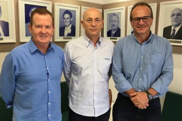 Vanir, ao centro, assume pela primeira vez a vice-presidência da Federação