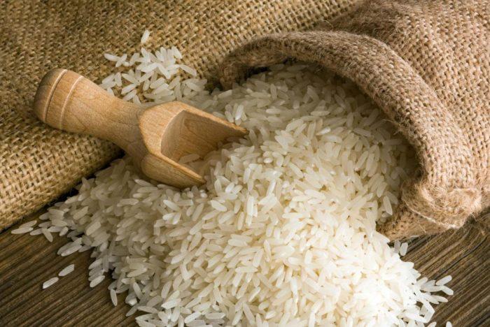 Em queda consecutiva há mais de um mês, preço do arroz volta ao patamar de agosto 2020